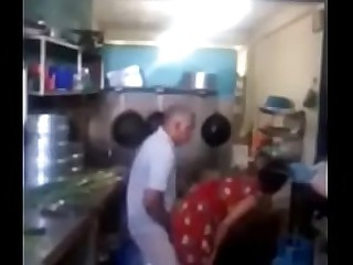 Srilankan chacha fucking his maid in kitchen quickly