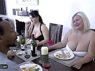 AGEDLOVE Granny chubby Lacey Star met her friends